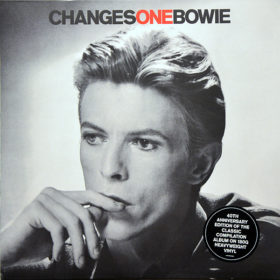 David Bowie – ChangesOneBowie (1976)