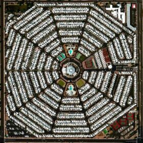 Modest Mouse – Strangers To Ourselves (2015)